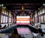 省作协召开文学工作者职业道德和行风建设工作座谈会